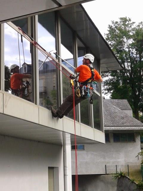 Nettoyage de vitres, Notre-Dame de lourdes